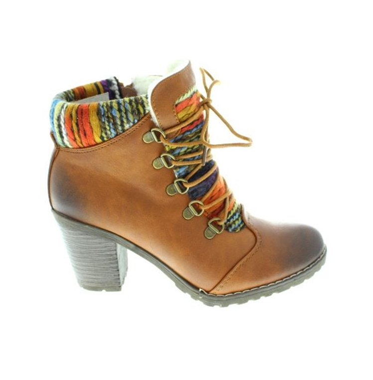 Six: How awesome are these yarn boots?!
