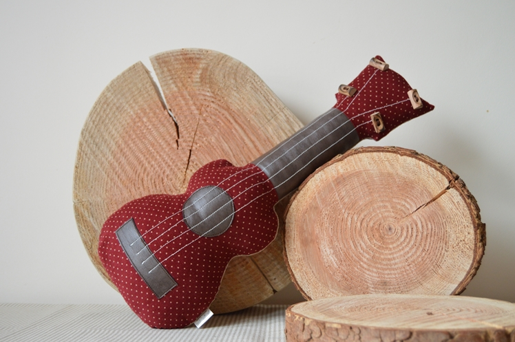 Ukulele Cushion - Midgins' Blog