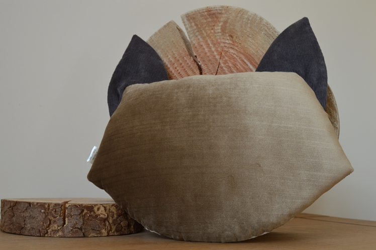 Grey Fox Cushion - Midgins' Blog