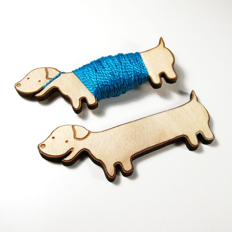 Flossy the Dachshund Embroidery Floss Bobbin | Sugar Cookie