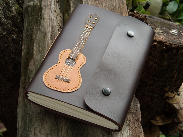 Ukulele Leather Notebook | Fullmoonn