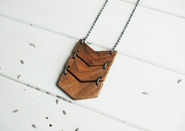 Triple Chevron Necklace | NUTAK