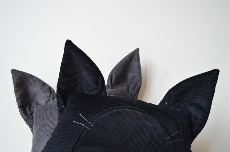 Cat Cushions - www.midgins.com