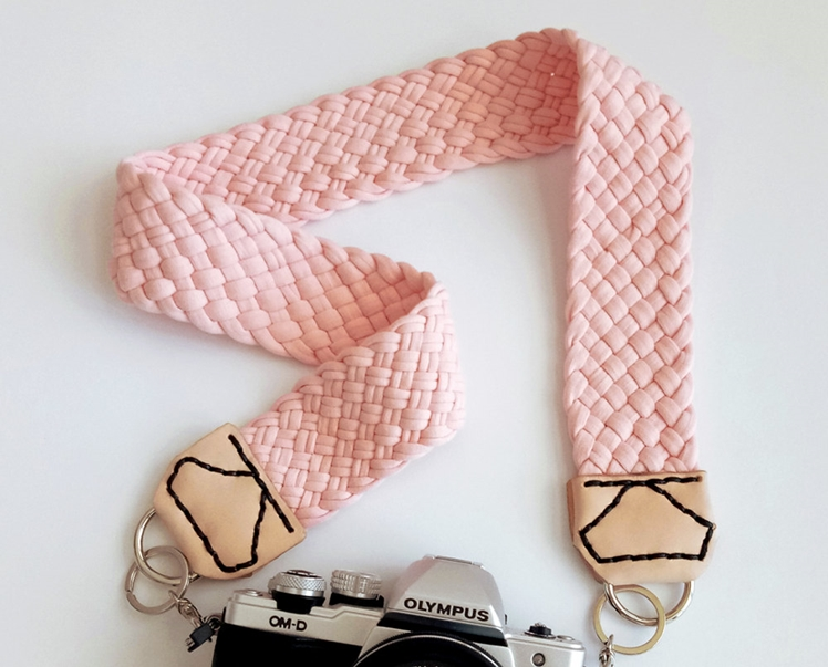 Camera Strap with Braided Peach-pink Fabric Yarn | Heart Bound Home