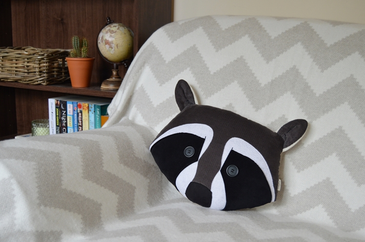Raccoon Pillow | Midgins'