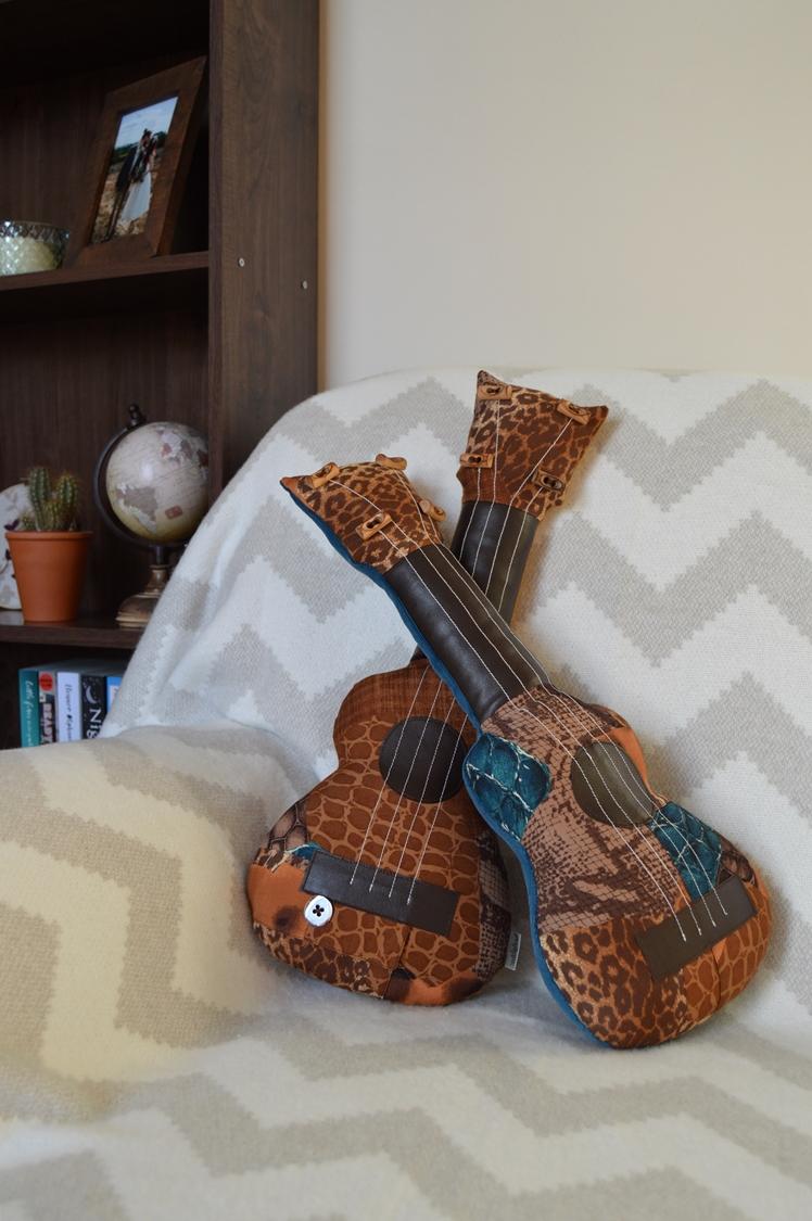 Upcycled Ukulele Pillows | Midgins'