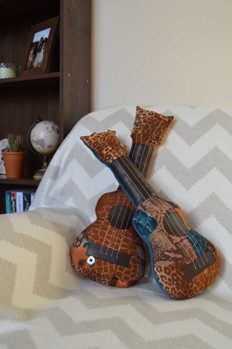 Upcycled Ukulele Pillows | Midgins'